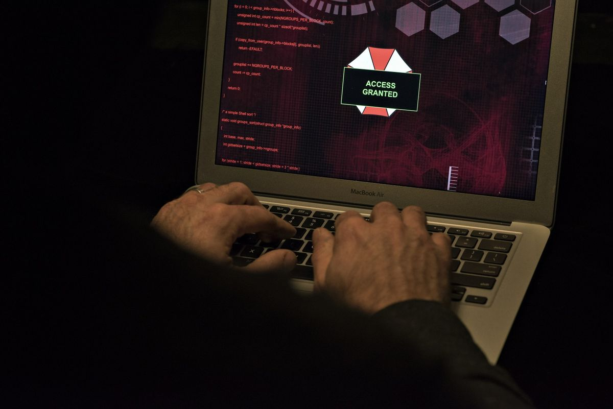 Russian Criminal Group Targets Americans Working at Home